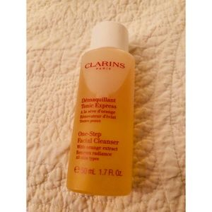 Clarins One-Step Facial Cleanser Liquid